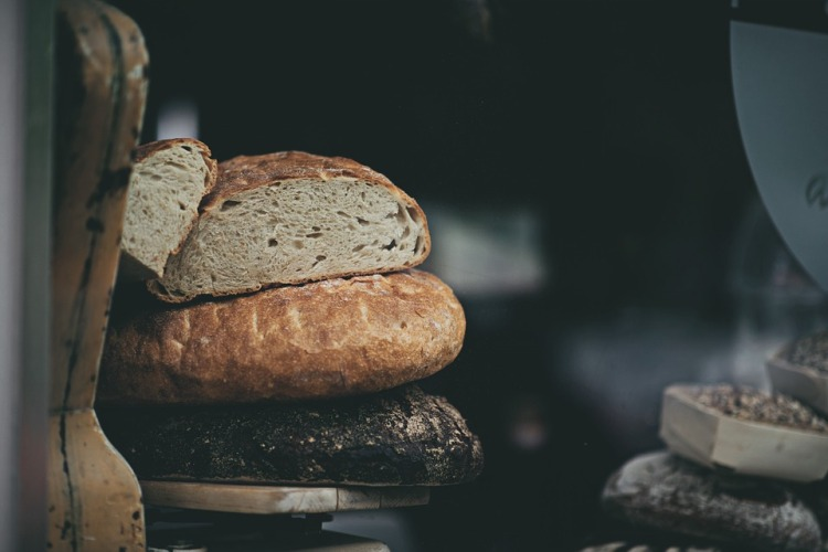 bread-863076_960_720